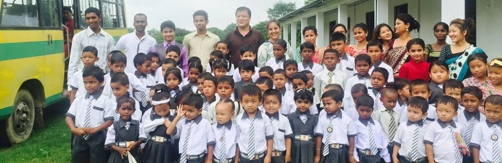 <b>School Ministry</b><br><div style='font-size: 70%';>Ray of Hope ministry constantly founded schools in India and Nepal, where there are many poor people who can not afford their children to get an education</div>